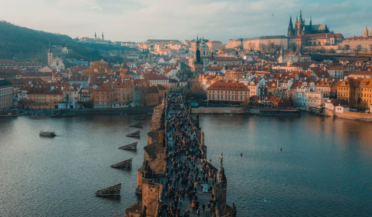 Lidé žijící v Praze